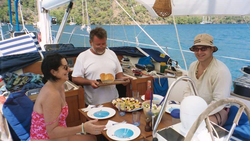crewed charter,crewed sailing vacation,bareboat charter,crewed charter catamaran,crewed yacht charter,